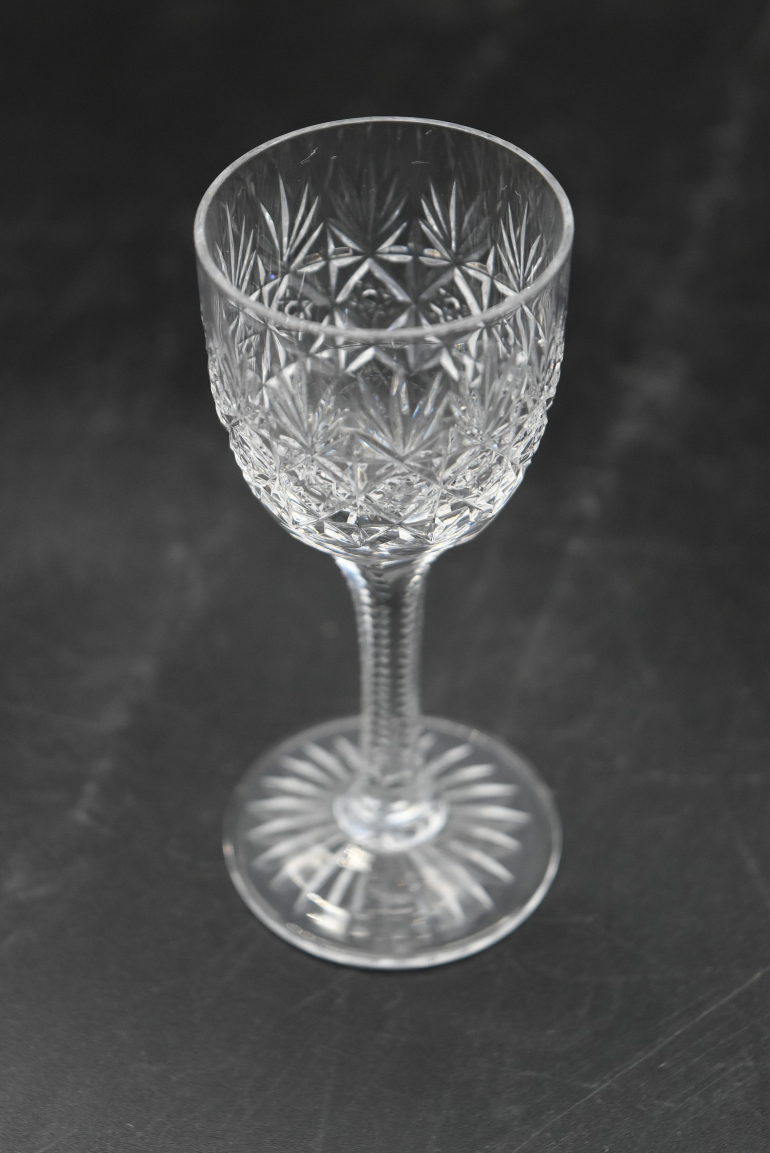 An extensive suite of cut crystal to include port and sherry glasses, champagne cups, vases, water - Image 5 of 15