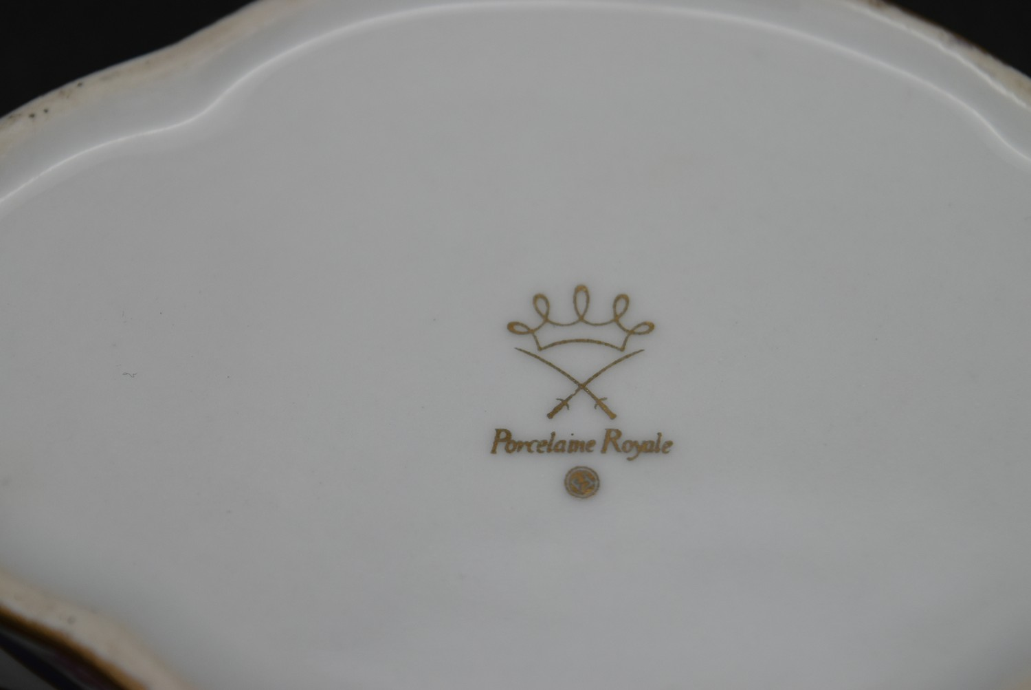 A Continental porcelain hand gilded and decorated lidded caddy, a twin lidded Spode basket and a set - Image 7 of 11