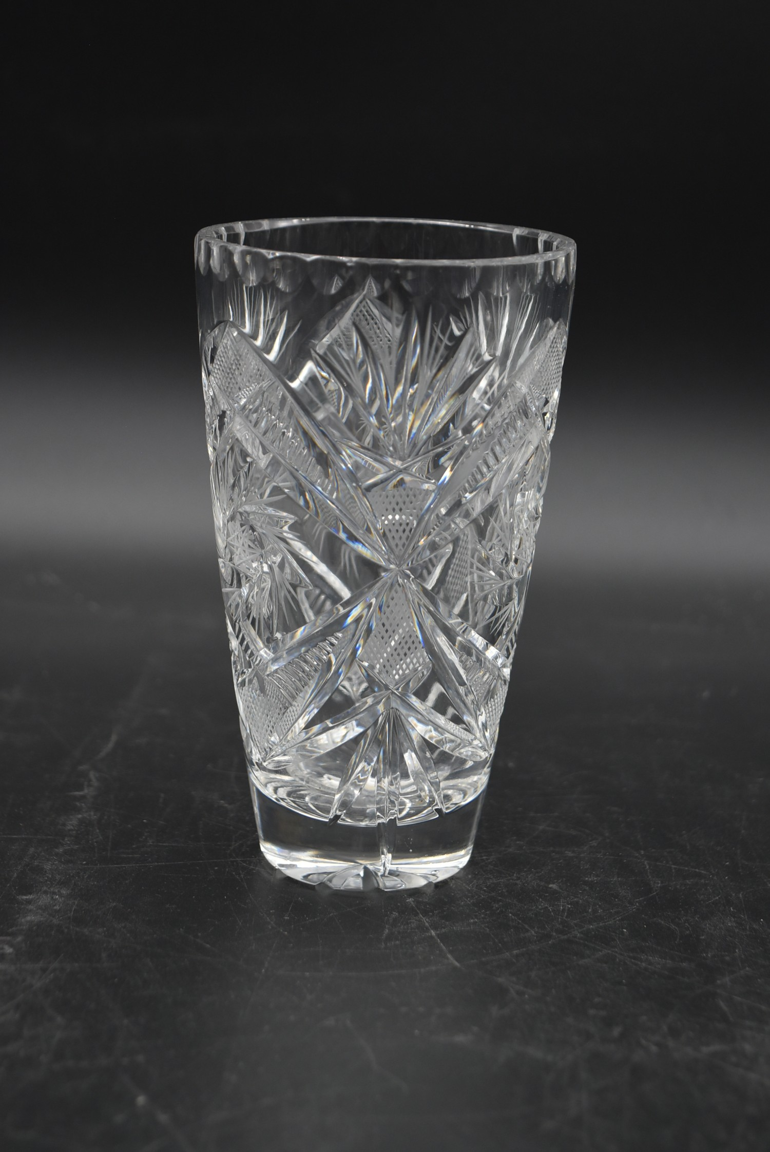 An extensive suite of cut crystal to include port and sherry glasses, champagne cups, vases, water - Image 15 of 15