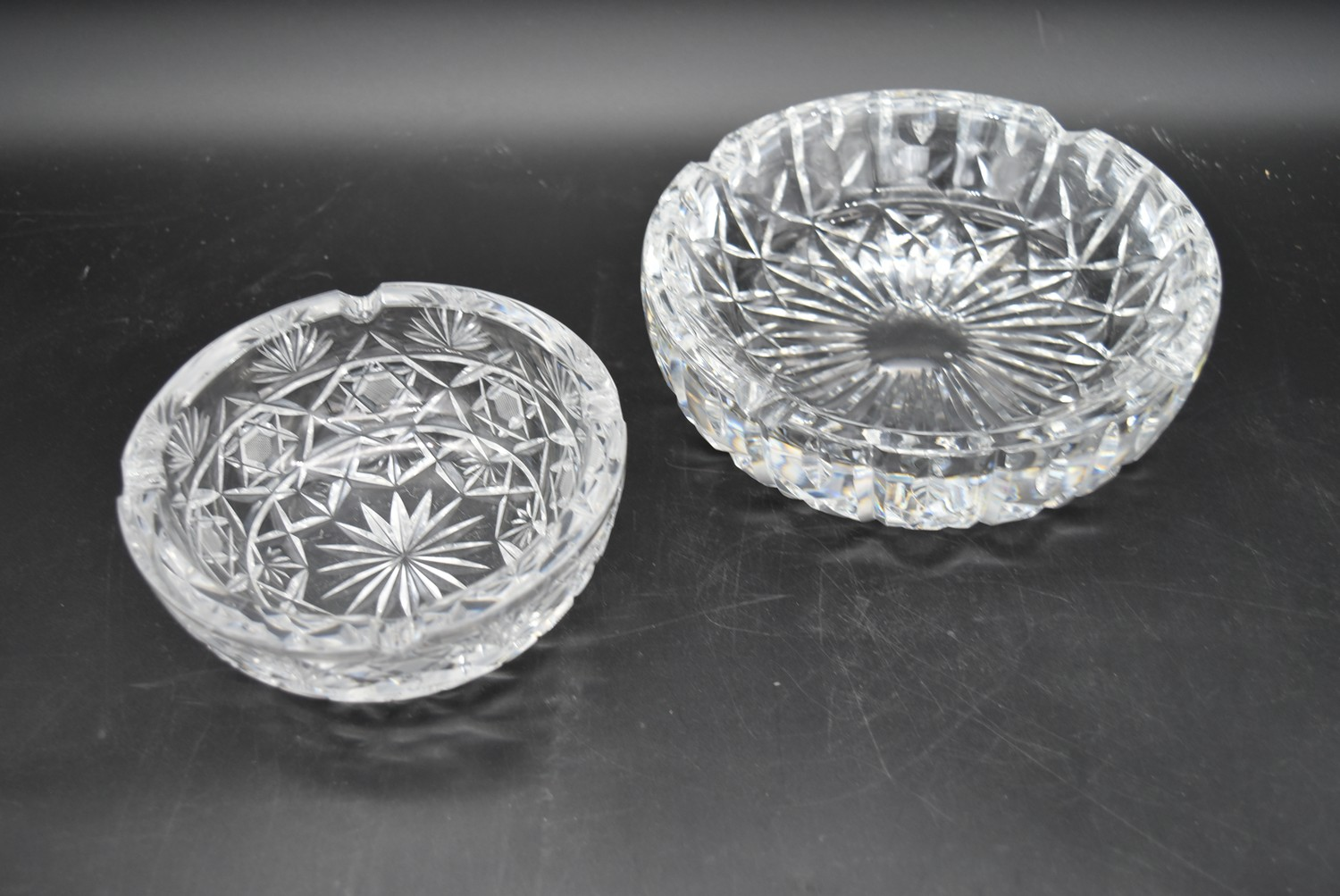 A miscellaneous collection of eight large cut crystal dishes and ashtrays. H.13cm W.21cm - Image 7 of 11