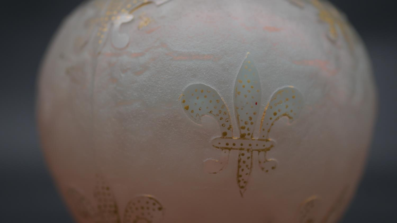 A Daum ovoid glass vase with flared neck and all over gilded Fleur de Lys decoration on a textured - Image 3 of 4
