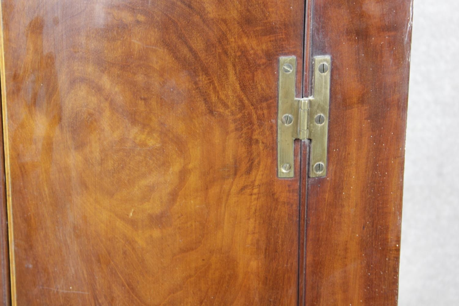 A Georgian figured mahogany bowfronted corner cupboard with satinwood and olivewood conch and floral - Image 5 of 14