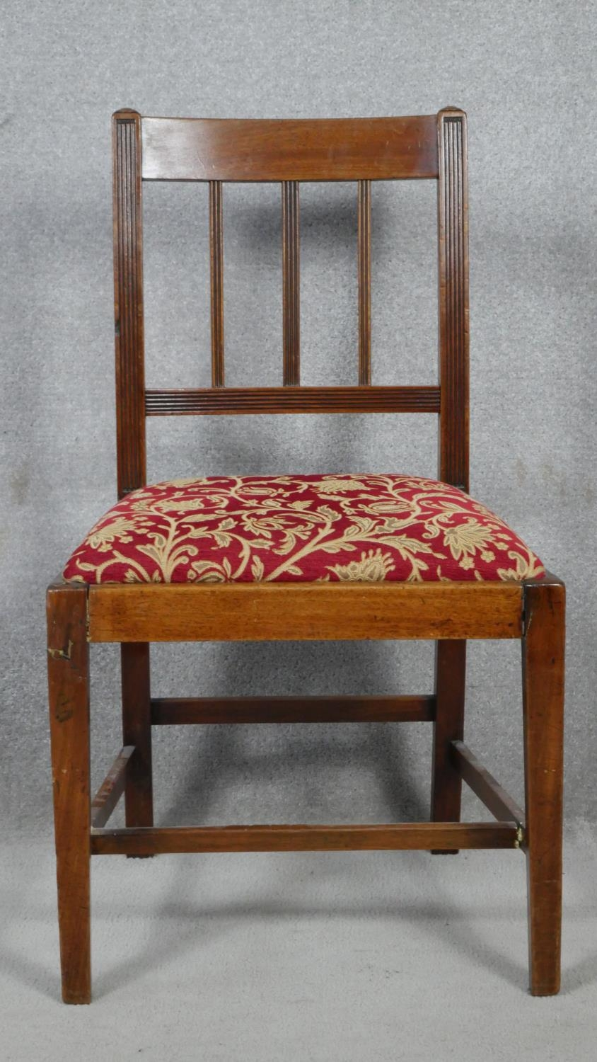 A set of six 19th century mahogany bar back dining chairs with reeded slats above drop in seats on - Image 2 of 4