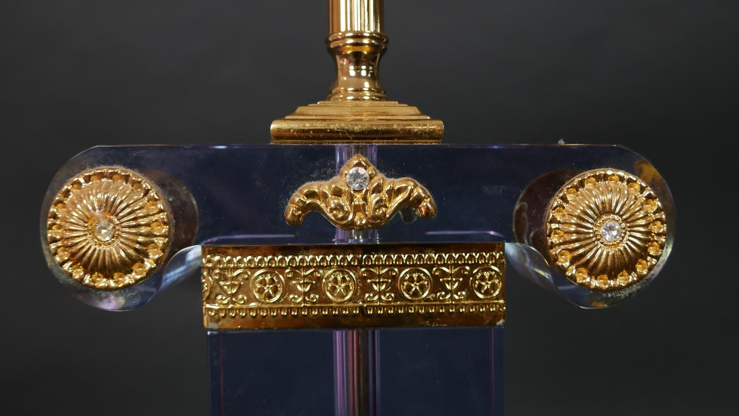 A Neoclassical style glass table lamp with gilt metal mounts resting on scrolling supports. H.49.5cm - Image 3 of 5