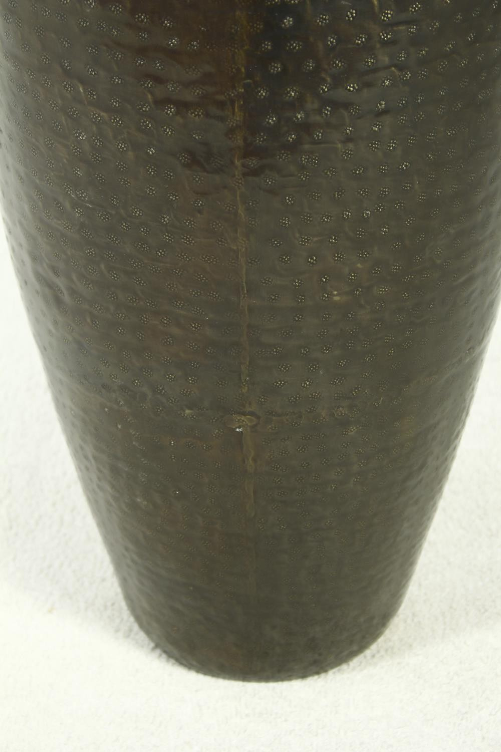 A pair of large contemporary floor standing hammered brass vases. H.79cm - Image 9 of 9