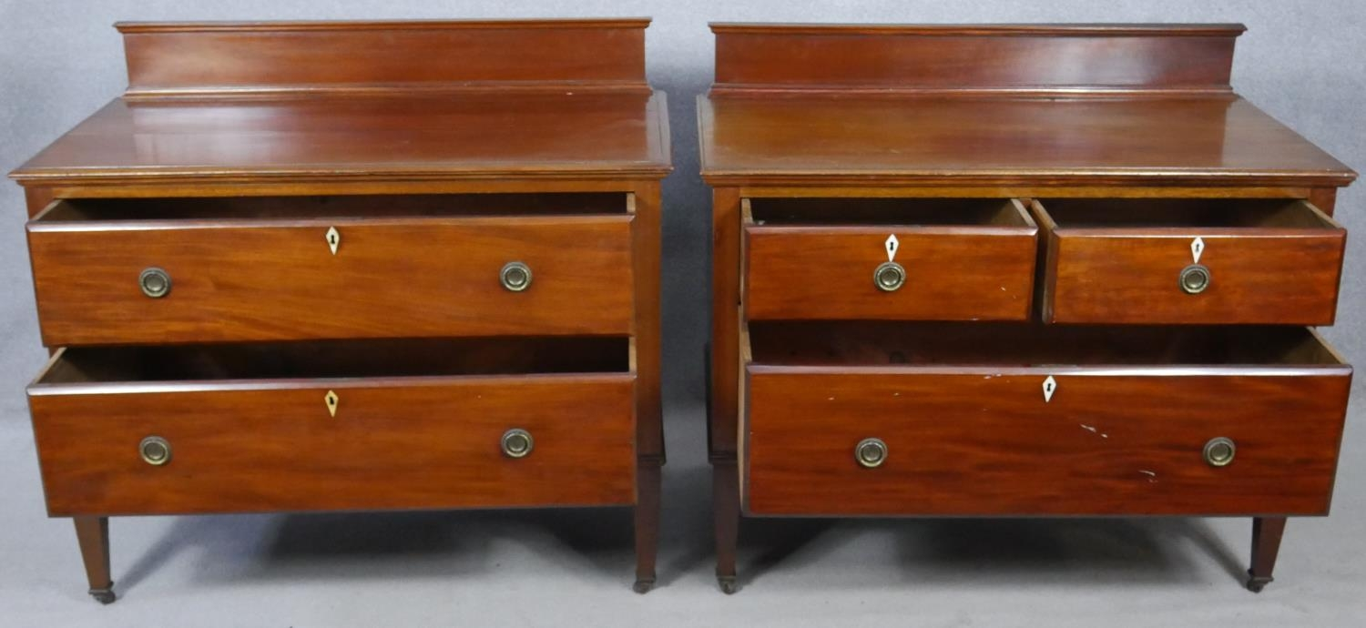 A pair of complementing early 20th century mahogany bedroom chests with ivory inset escutcheons - Image 2 of 10