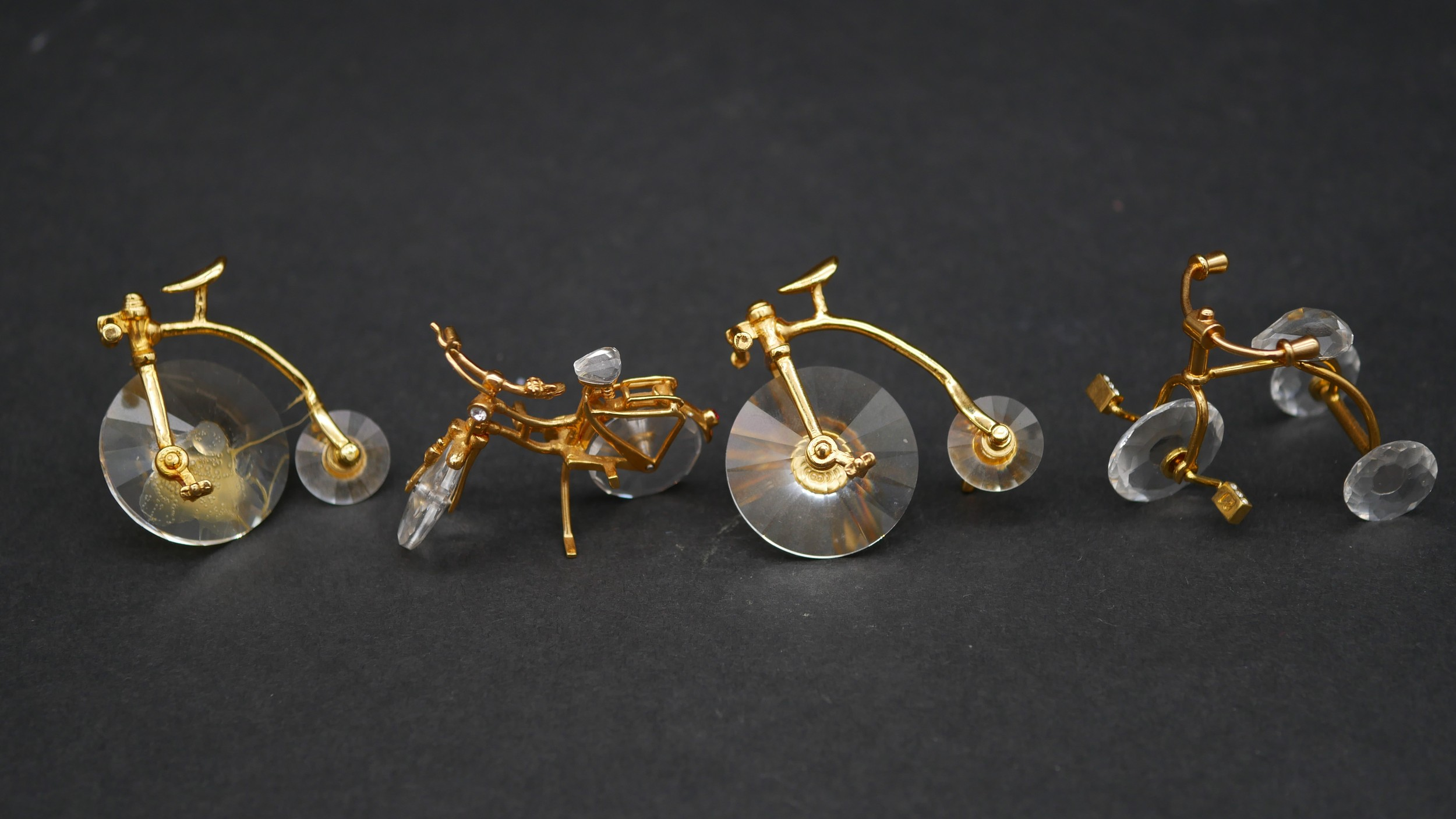 A collection of eighteen Swarovski crystal memories with gilt mounts; a pair of rowing boats with - Image 4 of 8