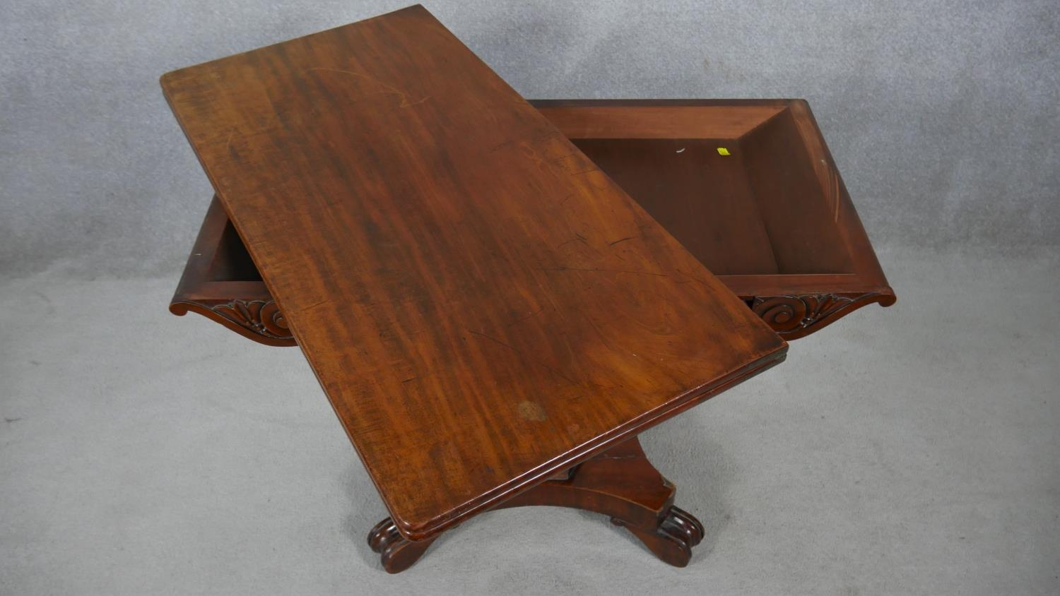 A William IV mahogany fold over top tea table on facetted pedestal quadruped base. H.72 L.48 W.92cm - Image 2 of 7