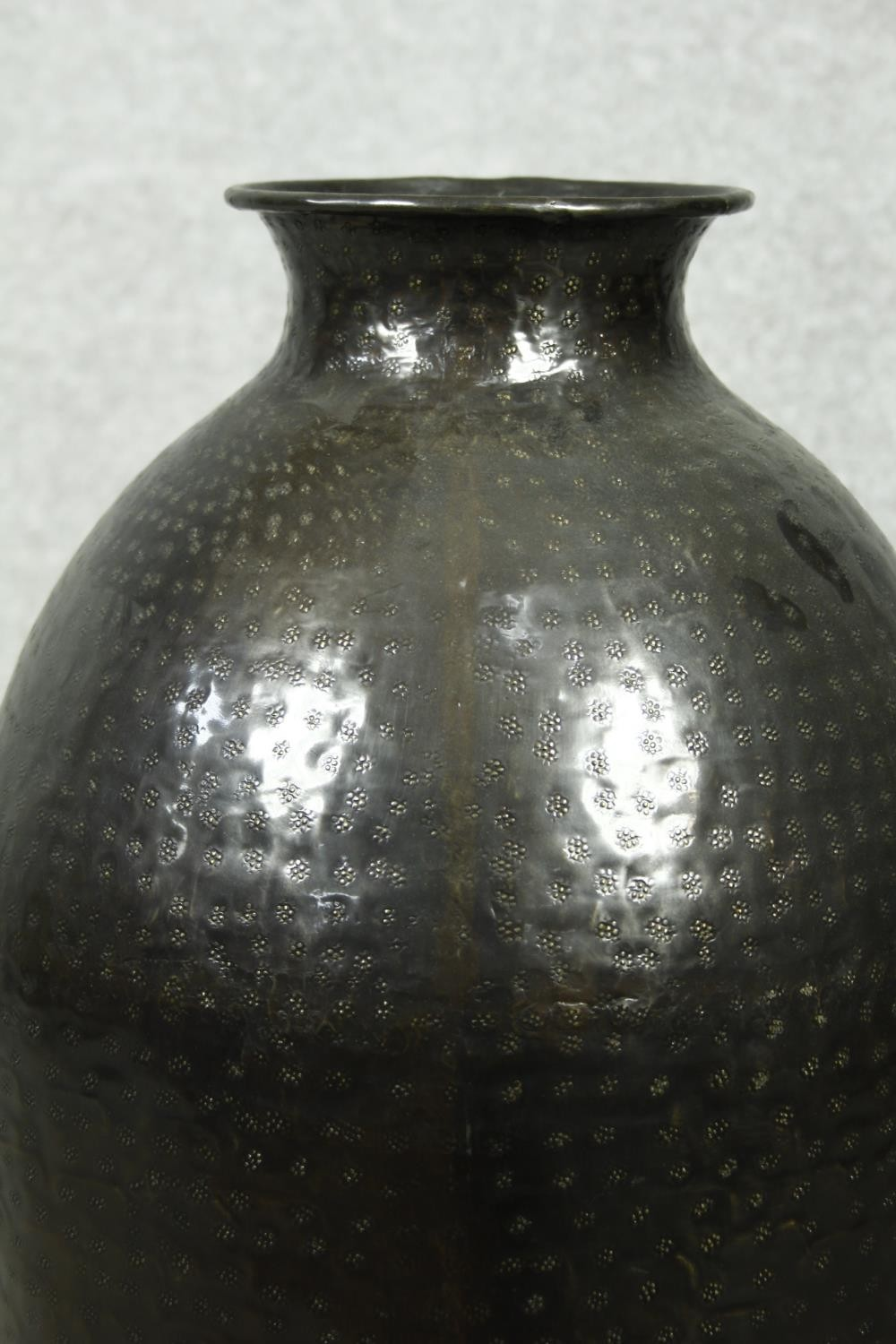 A pair of large contemporary floor standing hammered brass vases. H.79cm - Image 7 of 9