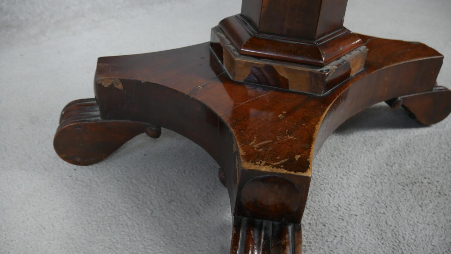 A William IV mahogany fold over top tea table on facetted pedestal quadruped base. H.72 L.48 W.92cm - Image 5 of 7
