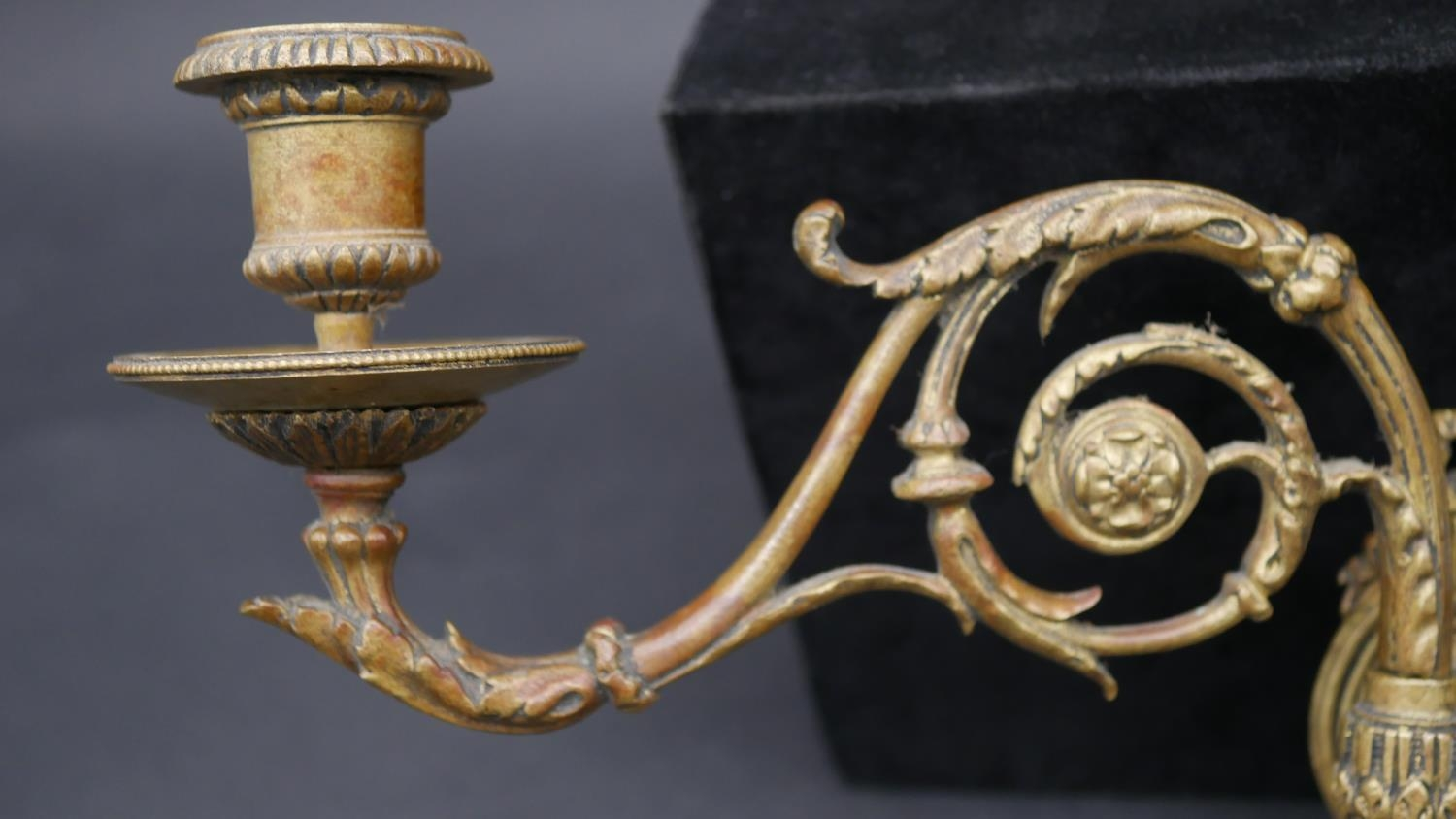 A pair of 19th century style brass twin branch wall sconces with adjustable and removable - Image 3 of 9