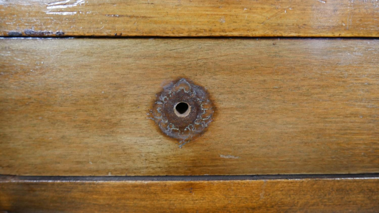 An early 20th century mahogany two section Georgian style bureau bookcase with fitted interior on - Image 6 of 8