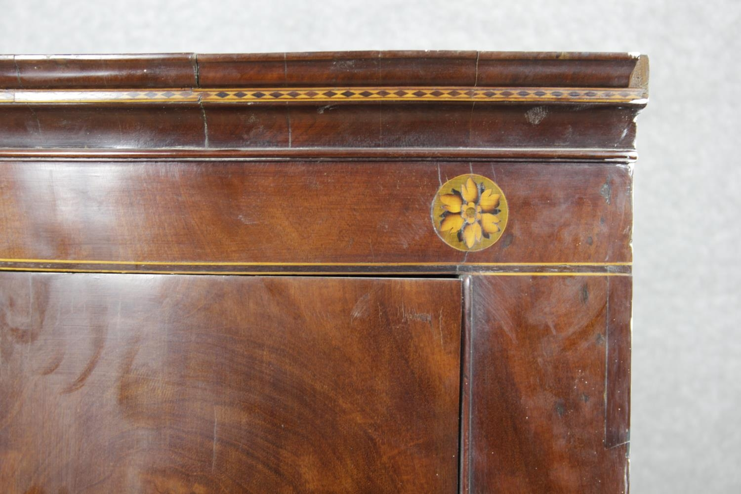 A Georgian figured mahogany bowfronted corner cupboard with satinwood and olivewood conch and floral - Image 8 of 14