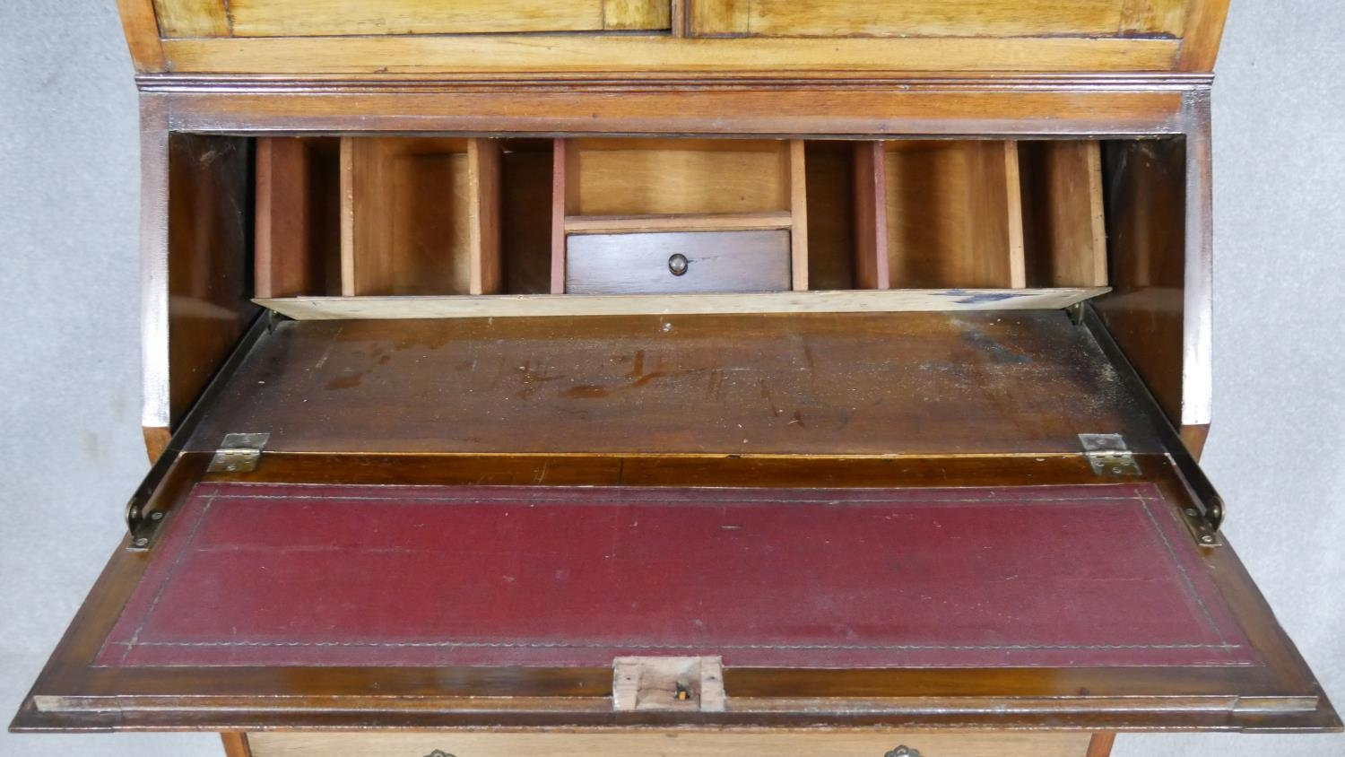An early 20th century mahogany two section Georgian style bureau bookcase with fitted interior on - Image 4 of 8