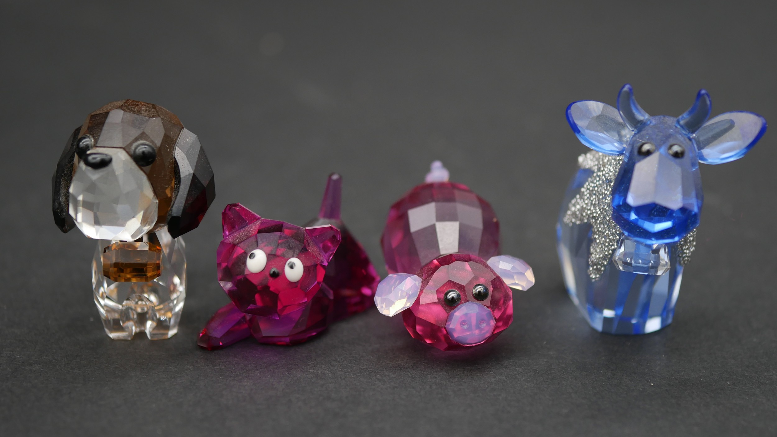 A collection of seventeen Swarovski cut crystal miniature animals to include a roaring lion, - Image 3 of 10