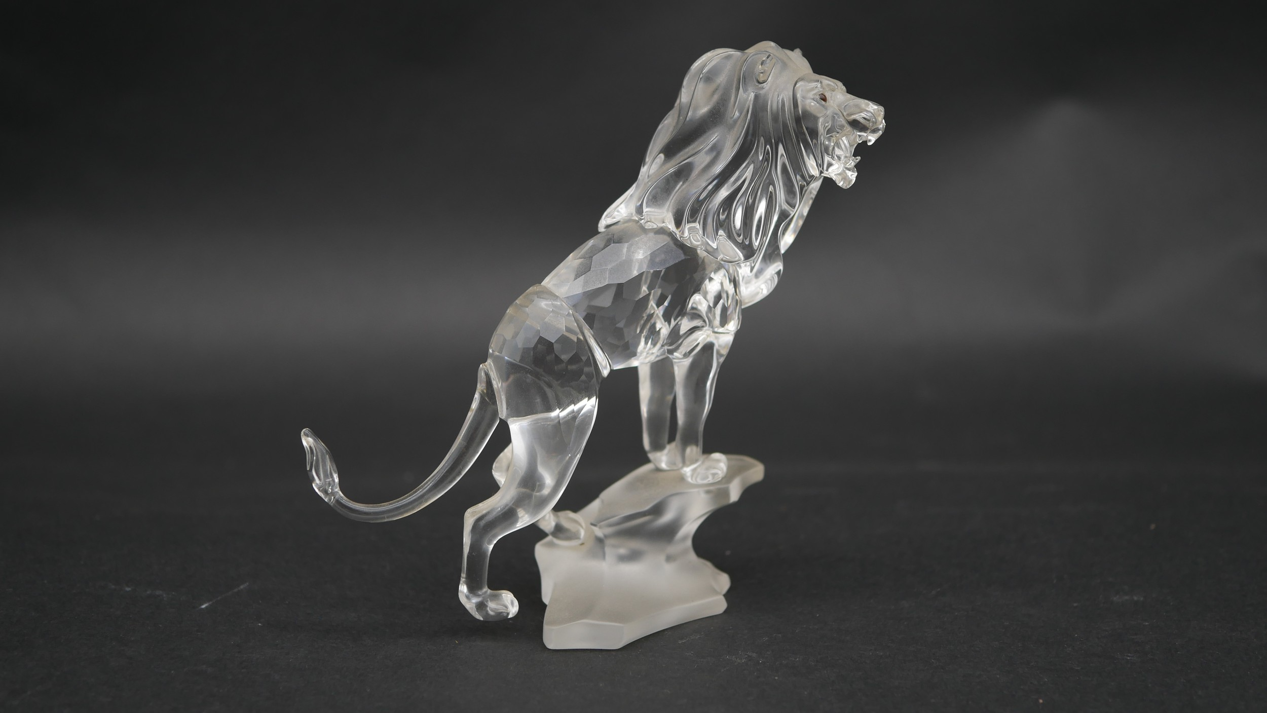 A collection of seventeen Swarovski cut crystal miniature animals to include a roaring lion, - Image 7 of 10