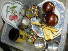 A BOX OF CERAMICS AND METALWARE TO INCLUDE A PORTMEIRION HEART SHAPED DISH, MINIATURE CUCKOO
