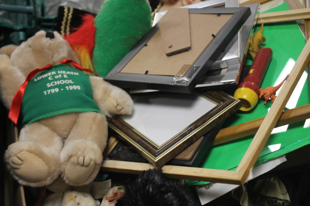 A TRAY AND A BOX OF SOFT TOYS, GLASSWARE ETC. (tray not included) - Image 2 of 2