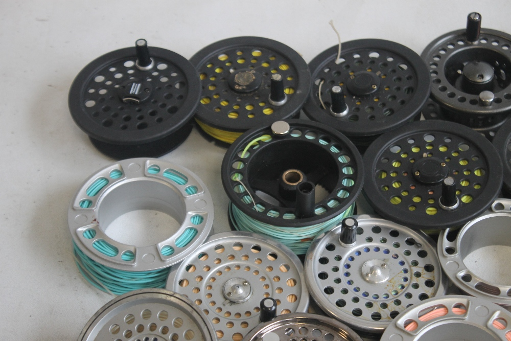 """A QUANTITY OF ASSORTED SPARE FLY REELS SPOOLS to include """"Shakespeare,"""" etc. - Image 2 of 5"""