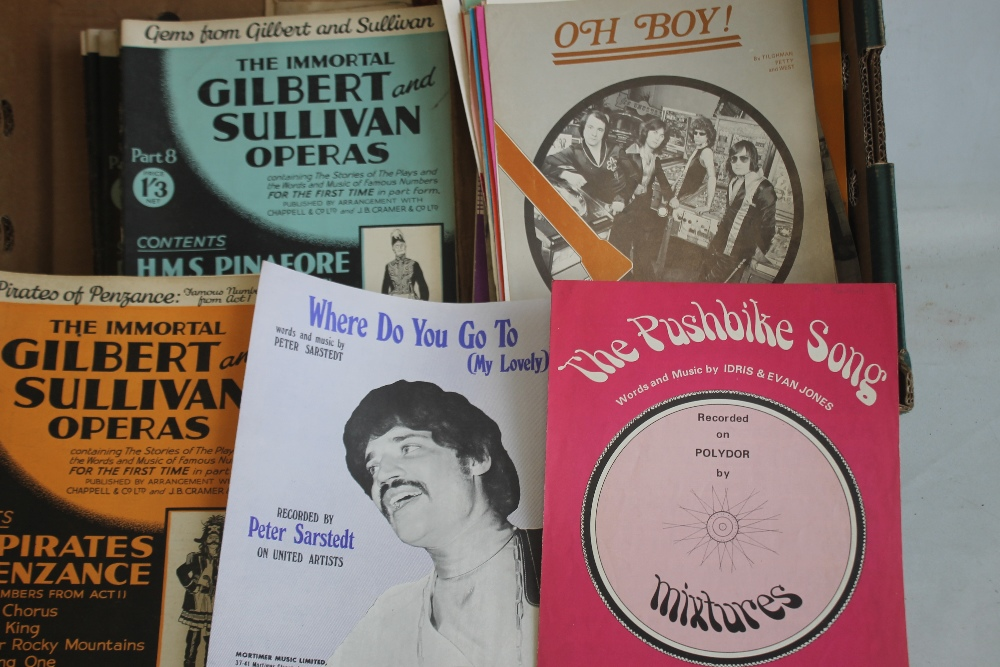 A QUANTITY OF SHEET MUSIC TO INCLUDE 1960S / 70S (approx. 40) George Harrison - My Sweet Lord, Rod - Image 5 of 6