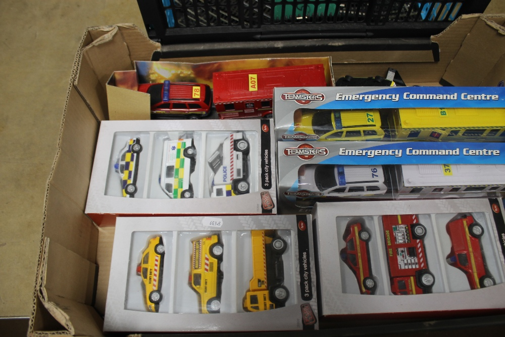 A BOX OF OO GAUGE TRACK BY HORNBY AND MAINLINE to include straights, bends and points together - Image 2 of 4