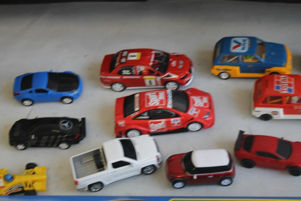 A COLLECTION OF TWENTY ONE SCALEXTRIC SLOT CARS BY HORNBY, SCALEXTRIC ETC., boxed Scalextric - Image 3 of 6