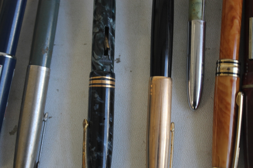 A SELECTION OF PENS, to include Osmiroid, Parker, Papermate etc - Image 4 of 8