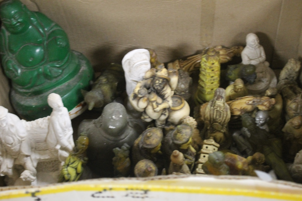 A QUANTITY OF RESIN FIGURES - Image 2 of 5