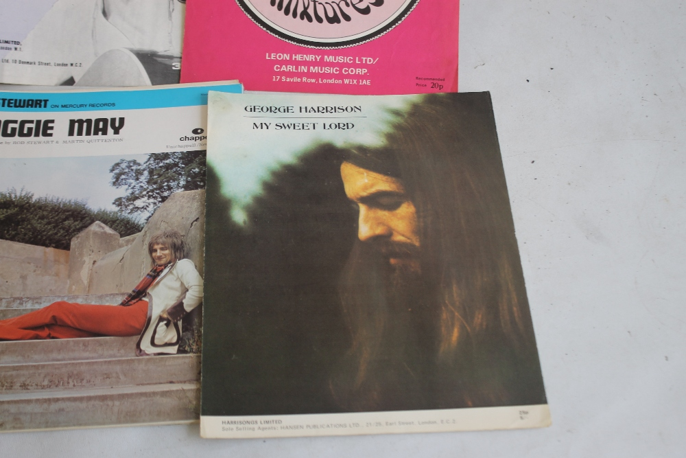 A QUANTITY OF SHEET MUSIC TO INCLUDE 1960S / 70S (approx. 40) George Harrison - My Sweet Lord, Rod - Image 4 of 6
