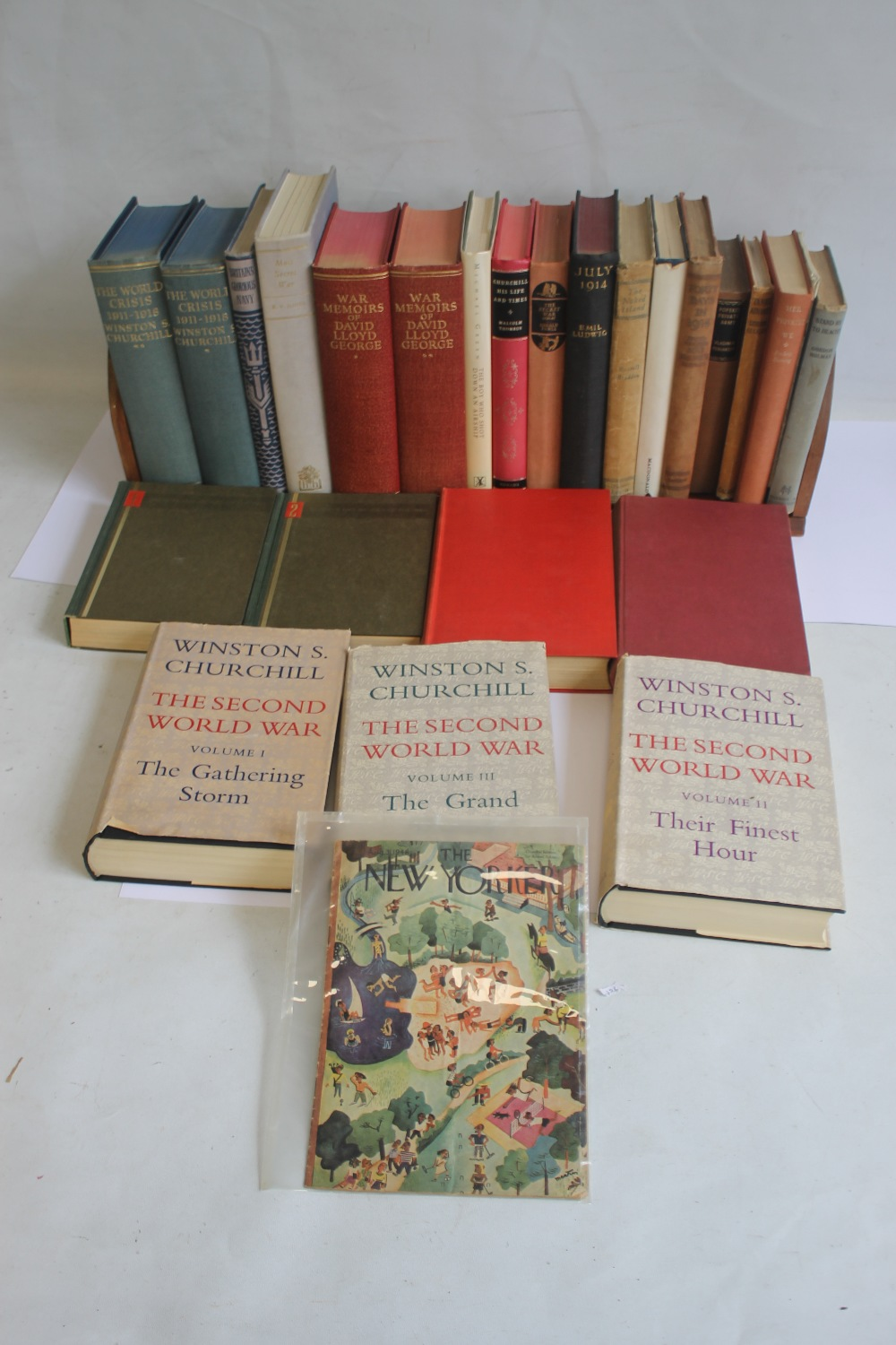 A COLLECTION OF MILITARY INTEREST BOOKS to include Winston S. Churchill - 'The Second World War'