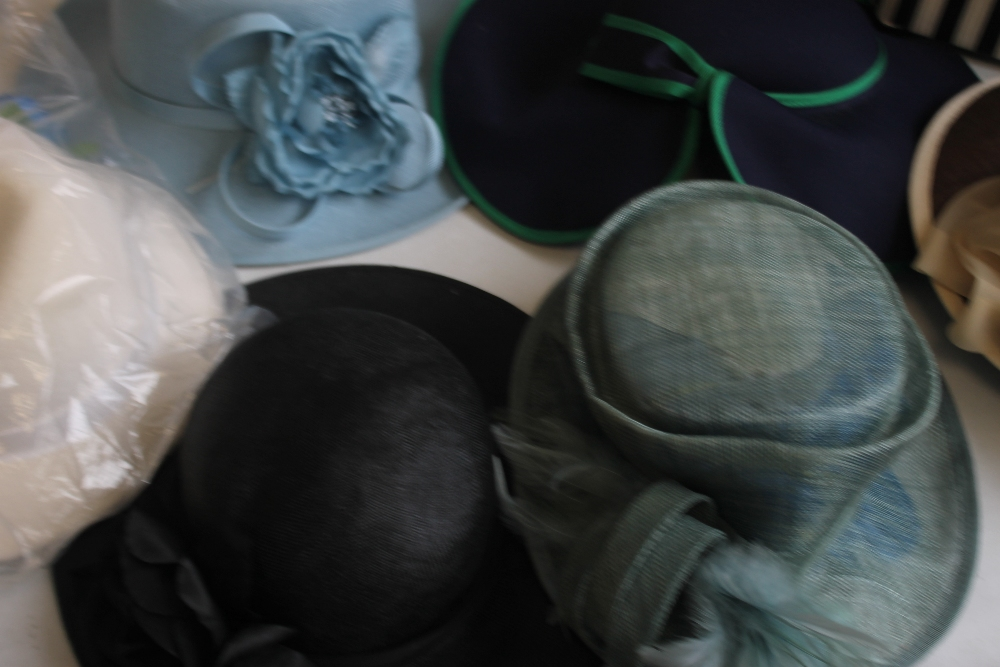 A COLLECTION OF LADIES WEDDING HATS ETC. to include Edward Mann, Jacques Vert, Peter Bettley, Lucy - Image 5 of 6