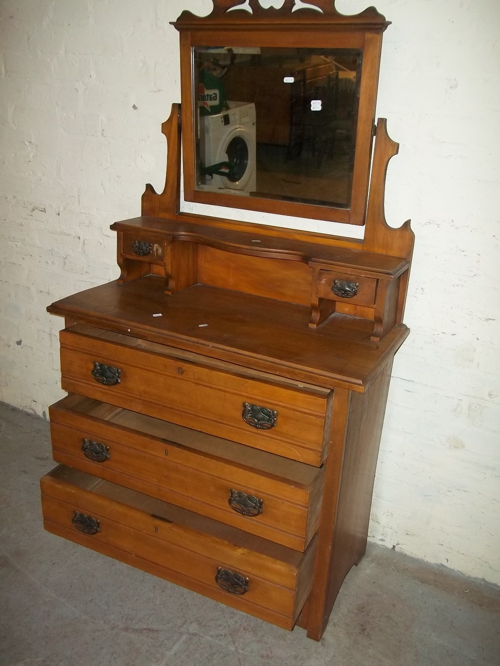AN EDWARDIAN DRESSING TABLE - Image 2 of 2