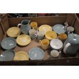A TRAY OF WEDGWOOD 'ETRURIA' YELLOW AND GREEN (tray not included)