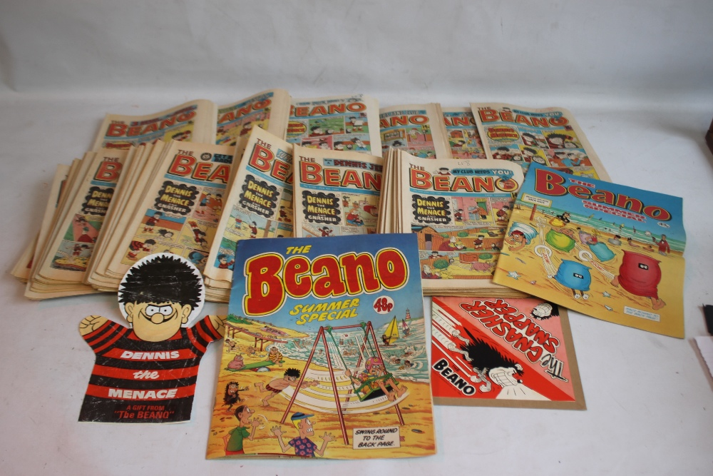 BEANO COMICS WITH TWO FREE GIFTS, approx. 100 1980s Beano comics with two Summer Specials and a '