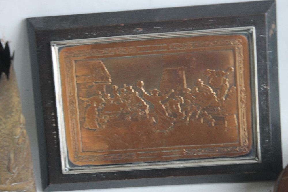 A SMALL BOX OF COLLECTABLES to include a shell case vase, a copper warmer, a framed metal plaque - Image 4 of 4