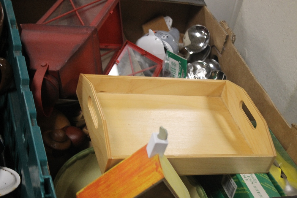 TWO TRAYS OF CERAMICS AND METALWARE TO INCLUDE STEINS (trays not included) - Image 3 of 3