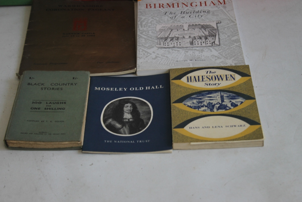 A SMALL COLLECTION OF MIDLANDS INTEREST BOOKS to include Hans & Lena Schwarz - 'The Halesowen Story' - Image 3 of 4