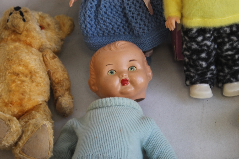 VINTAGE DOLLS AND TEDDY BEARS to include boxed Palitoy Petalskin Vinyl doll, Roddy doll in hand - Image 2 of 4