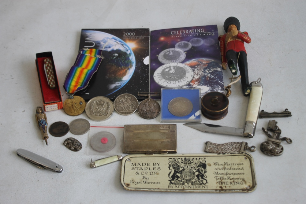 """A PAIR OF WWI MEDALS, NAMED TO """"50365 PTE J.E SMITH LAN FUS"""", along with a Victorian crown 1900, a"""
