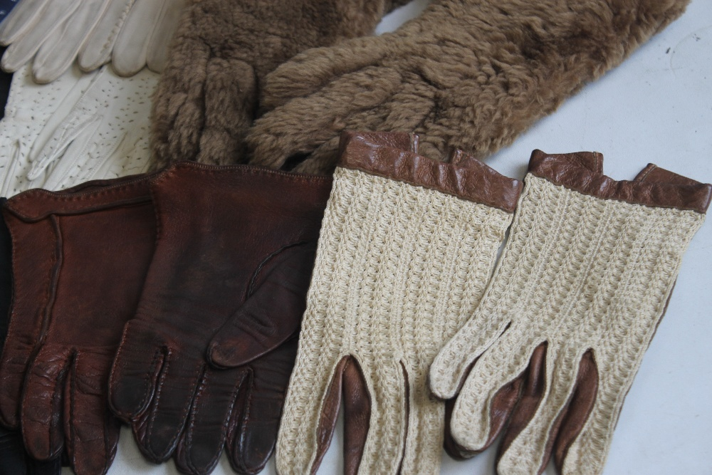 A TRAY OF ASSORTED VINTAGE PAIRS OF GLOVES mainly leather to include Milore, Elless, Dent Fownes, ( - Image 2 of 3