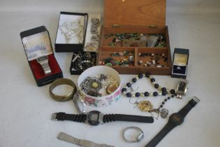 A TUB OF COSTUME JEWELLERY AND WATCHES