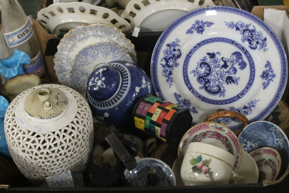 TWO TRAYS OF CERAMICS to include blue & white (trays not included) - Image 2 of 3