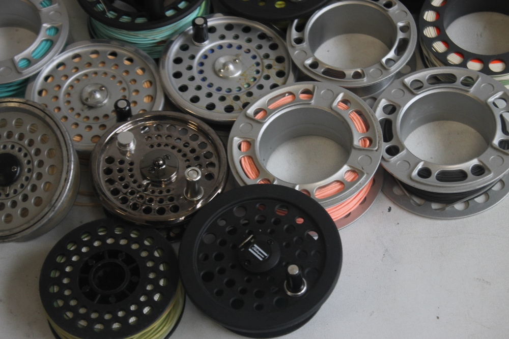 """A QUANTITY OF ASSORTED SPARE FLY REELS SPOOLS to include """"Shakespeare,"""" etc. - Image 4 of 5"""