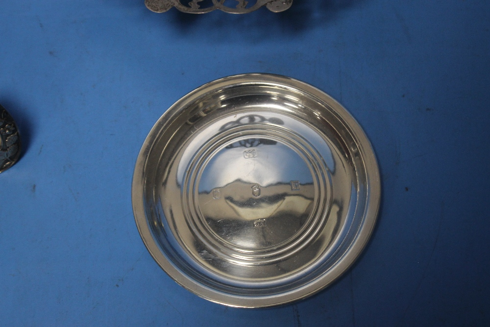 A HALLMARKED SILVER DISH together with a white metal picture frame, trophy etc. - Image 3 of 3