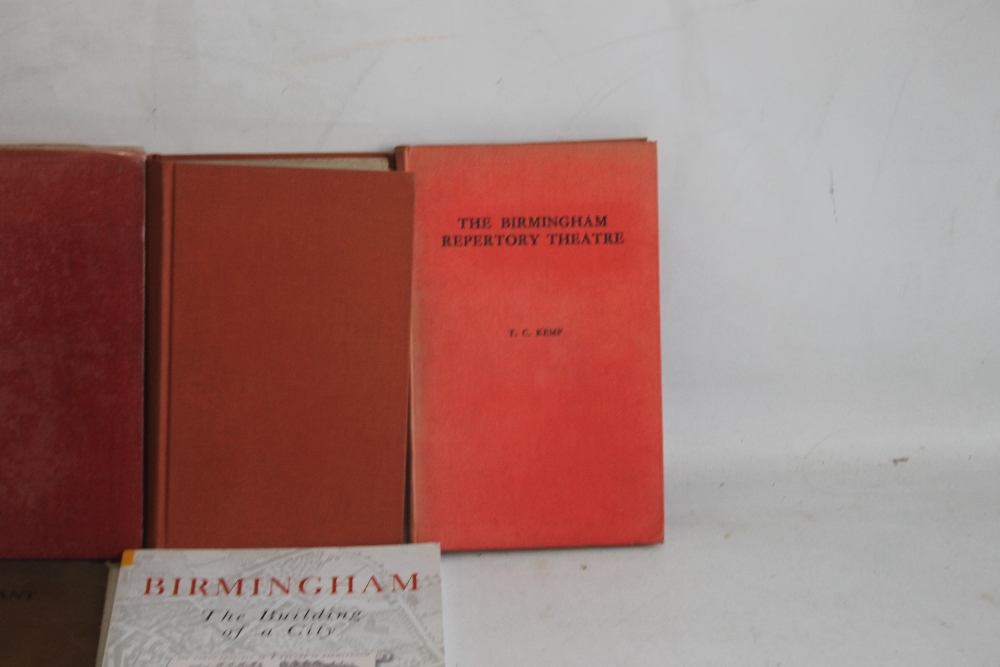 A SMALL COLLECTION OF MIDLANDS INTEREST BOOKS to include Hans & Lena Schwarz - 'The Halesowen Story' - Image 4 of 4
