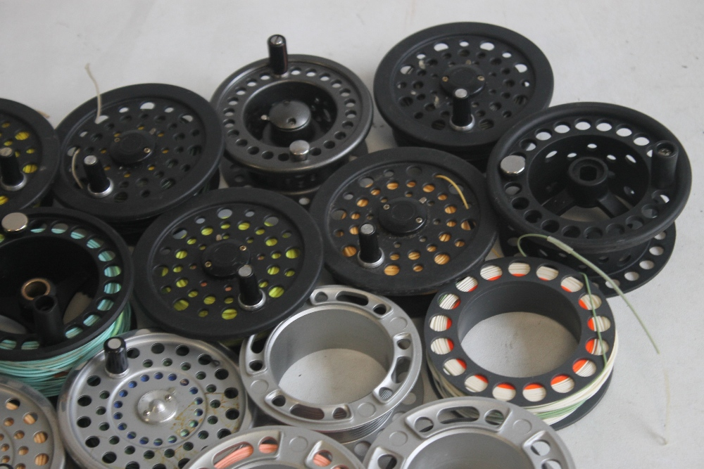 """A QUANTITY OF ASSORTED SPARE FLY REELS SPOOLS to include """"Shakespeare,"""" etc. - Image 3 of 5"""