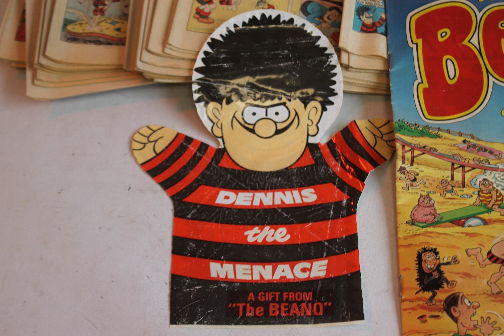 BEANO COMICS WITH TWO FREE GIFTS, approx. 100 1980s Beano comics with two Summer Specials and a ' - Image 3 of 5