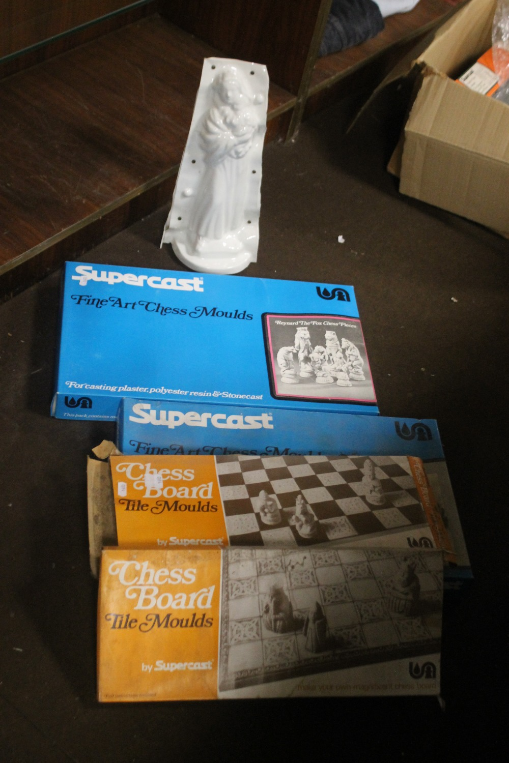 A QUANTITY OF ASSORTED FIGURE MOULDS