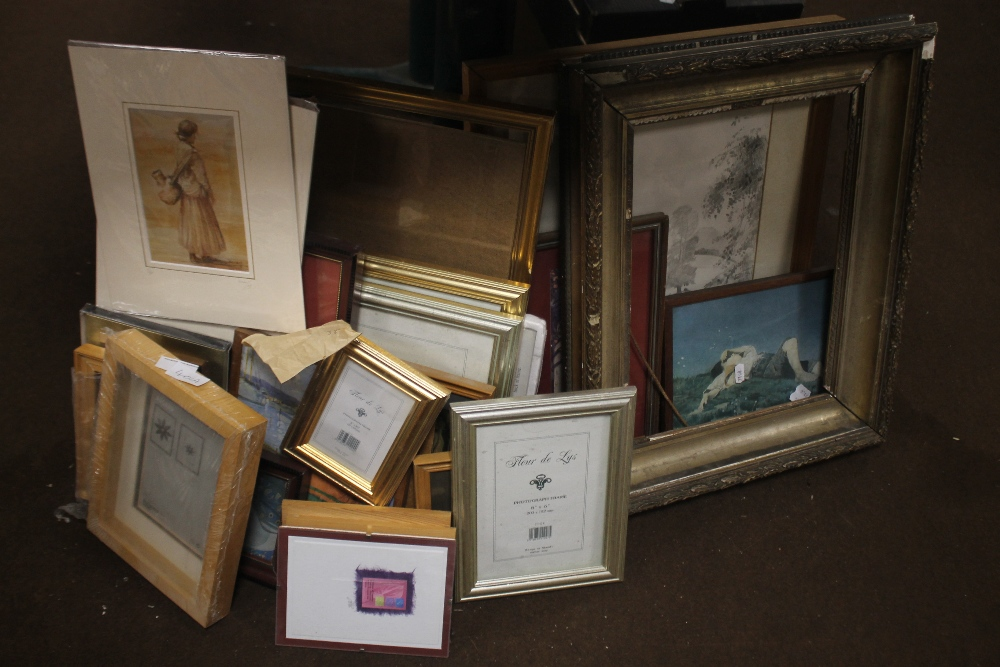 A QUANTITY OF PICTURES, PRINTS AND A GILT FRAME A/F