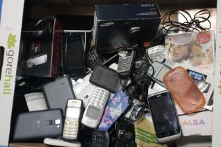 A QUANTITY OF MOBILE PHONES, chargers etc. to include a Nokia 3330 A/F